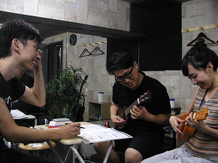 ギター、ウクレレ、ドラム グループレッスン 生徒さん募集中!